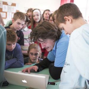 Novák Péter tartott energiatudatossági tanórákat általános iskolásoknak