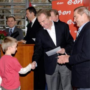 75 iskola kapott összesen 15 millió forint értékű sportszert