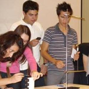 25 középiskolát felkereső tudománynépszerűsítő roadshow indult