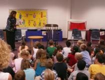 A diszlexiás gyermekek nehezebben küzdenek meg az iskolai háttérzajjal