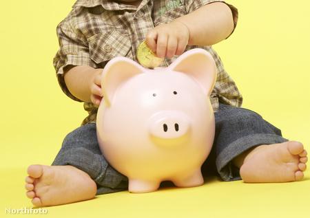 A fiatalok hiányos pénzügyi alapismeretein segítenének