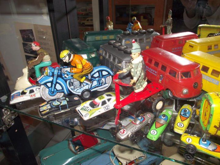 Régi játékok kiállítása Szerencsen