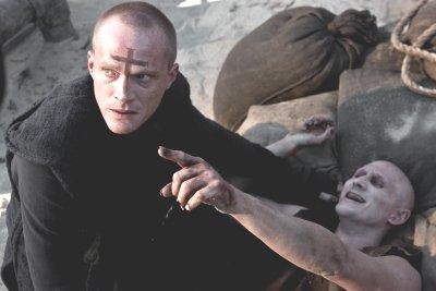 A pap – Háború a vámpírok ellen (mozi)