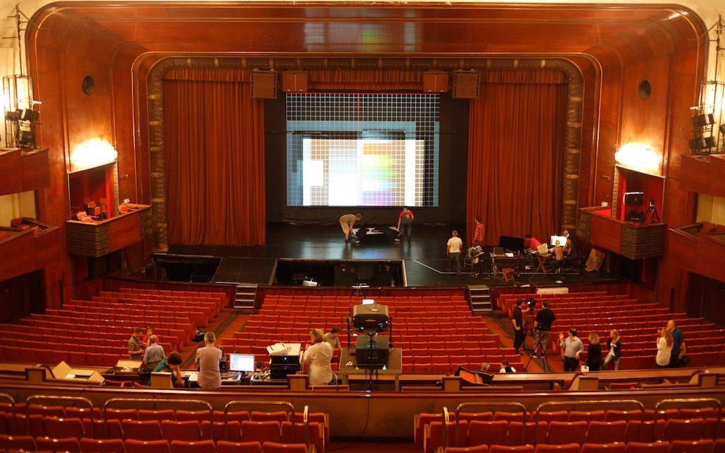 Virtuális valóság a Magyar Állami Operaház színpadán