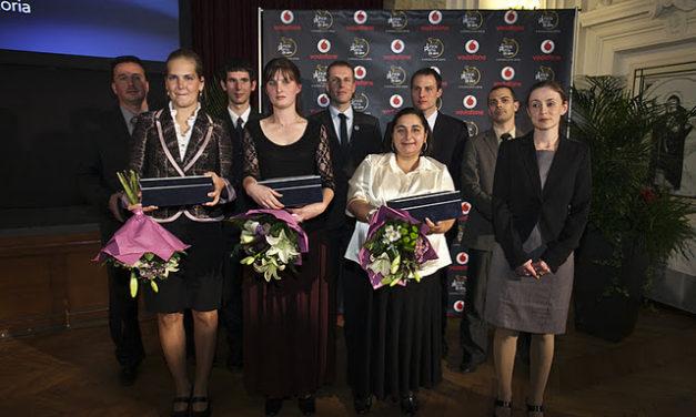 Iskolapadba ültek a sztárok a jubileumi  Vodafone Junior Prima díjátadón