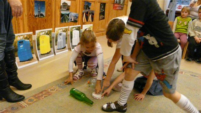 Kukaszigetek, avagy mit jelent gyereknyelven a szelektív hulladékgyűjtés?