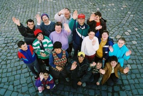 Alma együttestől Dopemanig – zenészek kampányolnak a fogyatékos emberekért
