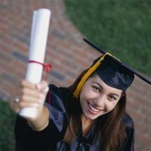 Több diplomával érzi magát biztonságban a végzettek többsége
