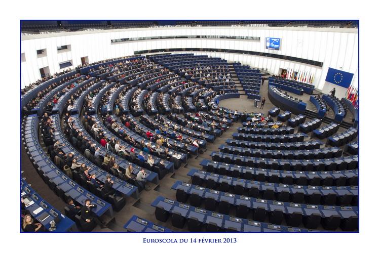 Nyerjetek strasbourgi utazást! Az Európai Parlament kvízjátéka középiskolás diákoknak