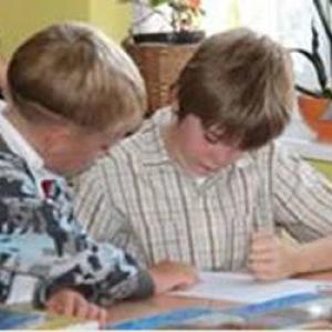 Több mint 600 ezer diák ingyen kap tankönyvet
