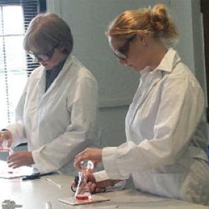 Több mint 300 millióból fejlesztenek természettudományi labort Gyulán