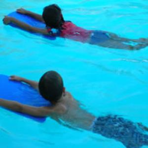 Kötelező lesz az úszásoktatás az iskolákban