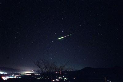Száz hullócsillag óránként – meteorzáporral indul 2014