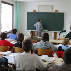 Kiírták az Út a középiskolába ösztöndíjpályázatokat