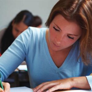 Több mint 10 ezerrel nőtt a felsőoktatásba jelentkezők száma