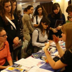 Ismét külföldi iskolák versenyeznek a magyar diákokért