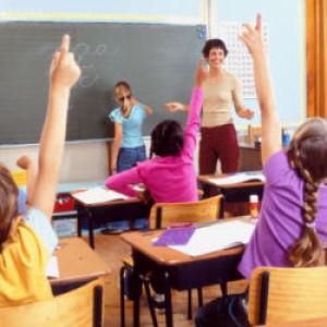 Több mint 700 állás tanároknak