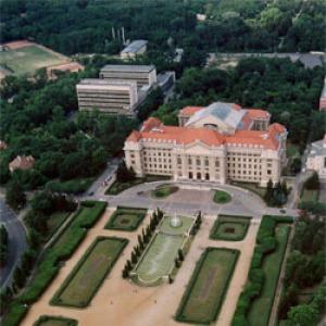 Debrecen: a volt gazdasági főigazgató lehet a kancellár