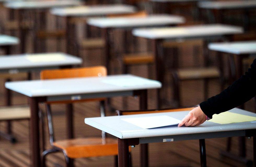 Az iskoláknak identitást is kell adniuk