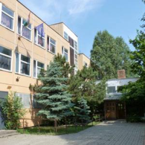 Példaértékű összefogással újult meg egy fővárosi iskola