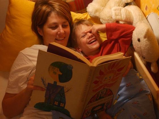 Így szerettetheti meg az olvasást gyermekével