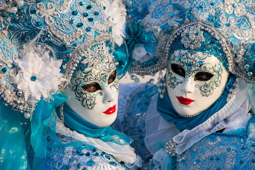 farsang velencei karnevál hagyományok