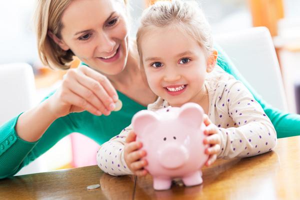 Pénzügyileg tudatos szülő – hogyan mutass jó példát?