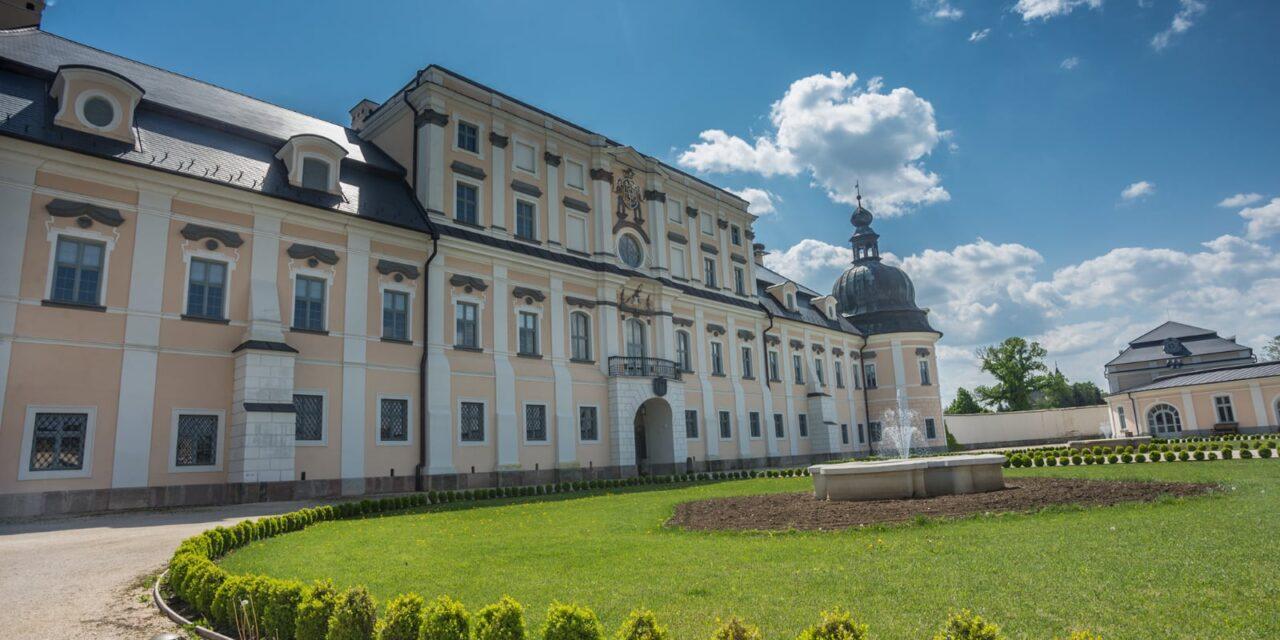 Az egri várkapitány palotája, az edelényi L'Huillier–Coburg kastély