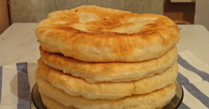Ha ezt a receptet megismered, soha többé nem veszel kenyeret! Puha kefires lepény!