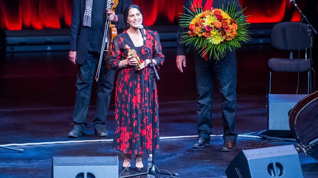 ny énekes, aki átvehette a világzene Oscar-díját, a Womex Artist Awardot