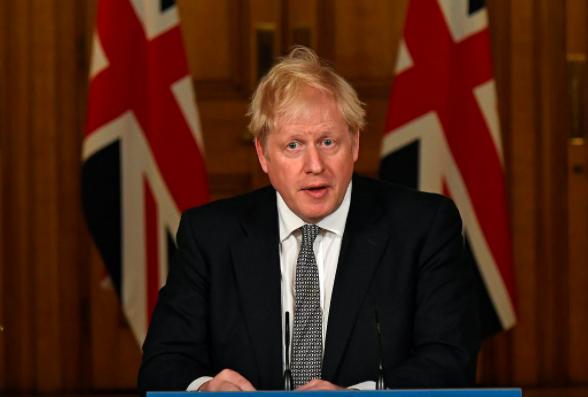 Újra bezár Anglia, Johnson szerint jönnek az olcsó gyorstesztek
