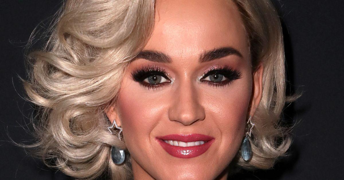 Katy Perry ismét magyar tervező kreációját választotta, nem is akárhova!