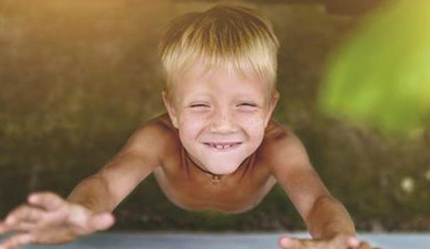 """A Harvard Egyetem kutatásai szerint azok a szülők, akik """"jó"""" gyerekeket nevelnek betartják ezt az 5 szabályt!"""