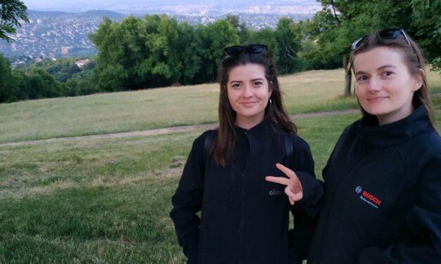 Két magyar lány baktériumkoktélja szabadítaná meg a világot a műanyagoktól, a Techstars is befektetett