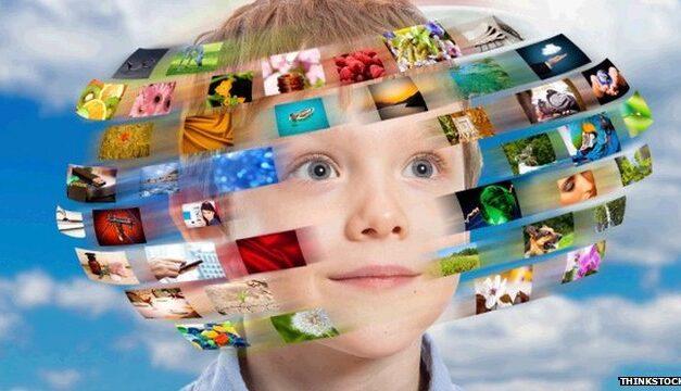 Gyerekek a digi világban – Hogy segíthet az iskola?